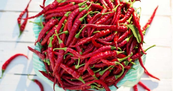 cayenne peppers 2779833 1280
