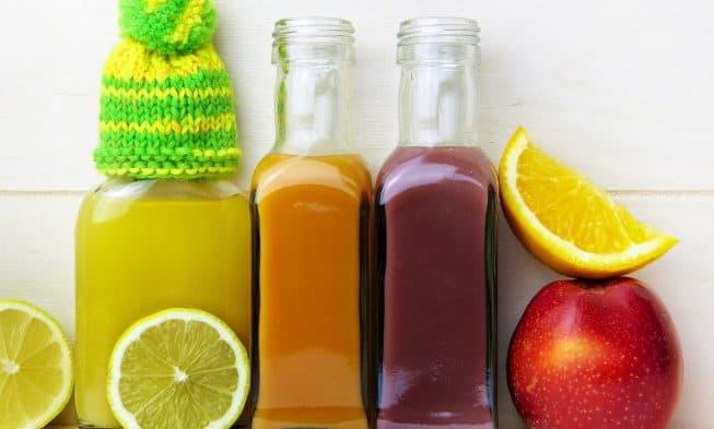 jus de citron, de pomme, d'orange et de carotte