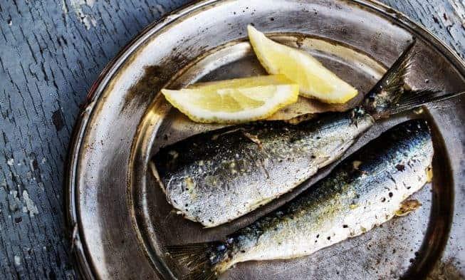 poisson arrosé de citron