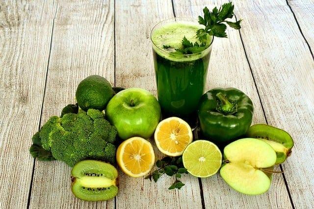 cocktail vert de poivre, brocoli, liomon, pomme