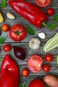 poivre, tomates, ail
