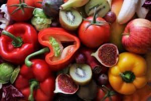 poivrons, tomates, pommes, kiwis