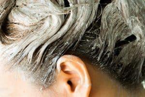 le lavage des cheveux