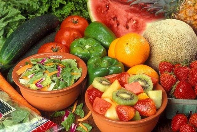 pastèque, poivre, melon, oranges, fraises, kiwi