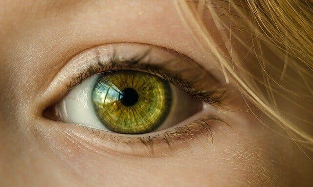 L'œil d'une femme