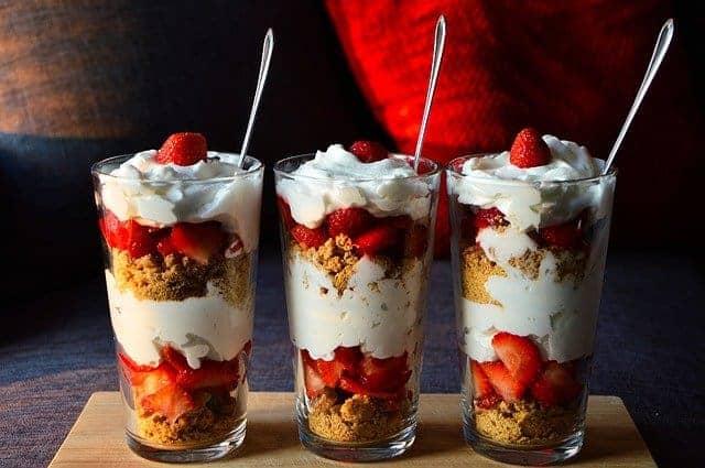 dessert diététique avec fruits et yaourt